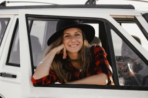 Lifestyle Portrait Shooting mit Laura Malina Seiler in Kapstadt. fotografiert von Farina Deutschmann